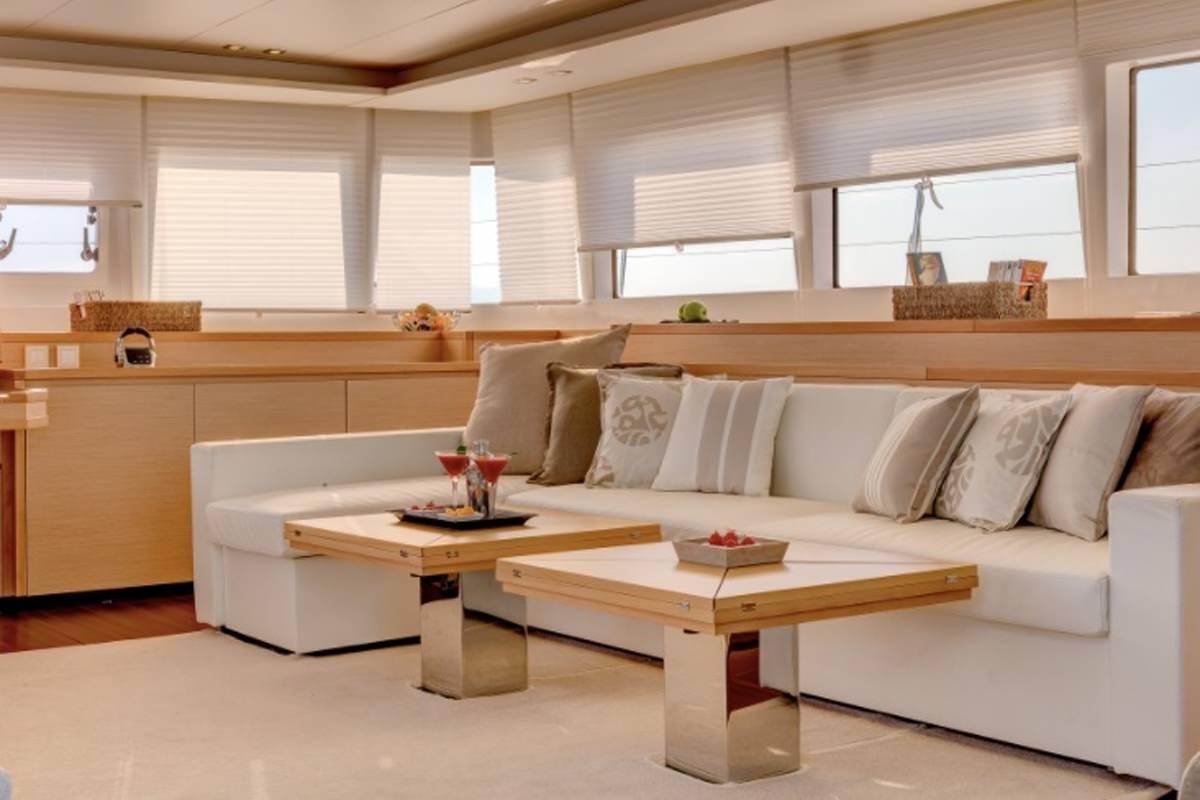 Yacht charter Lady Rachel