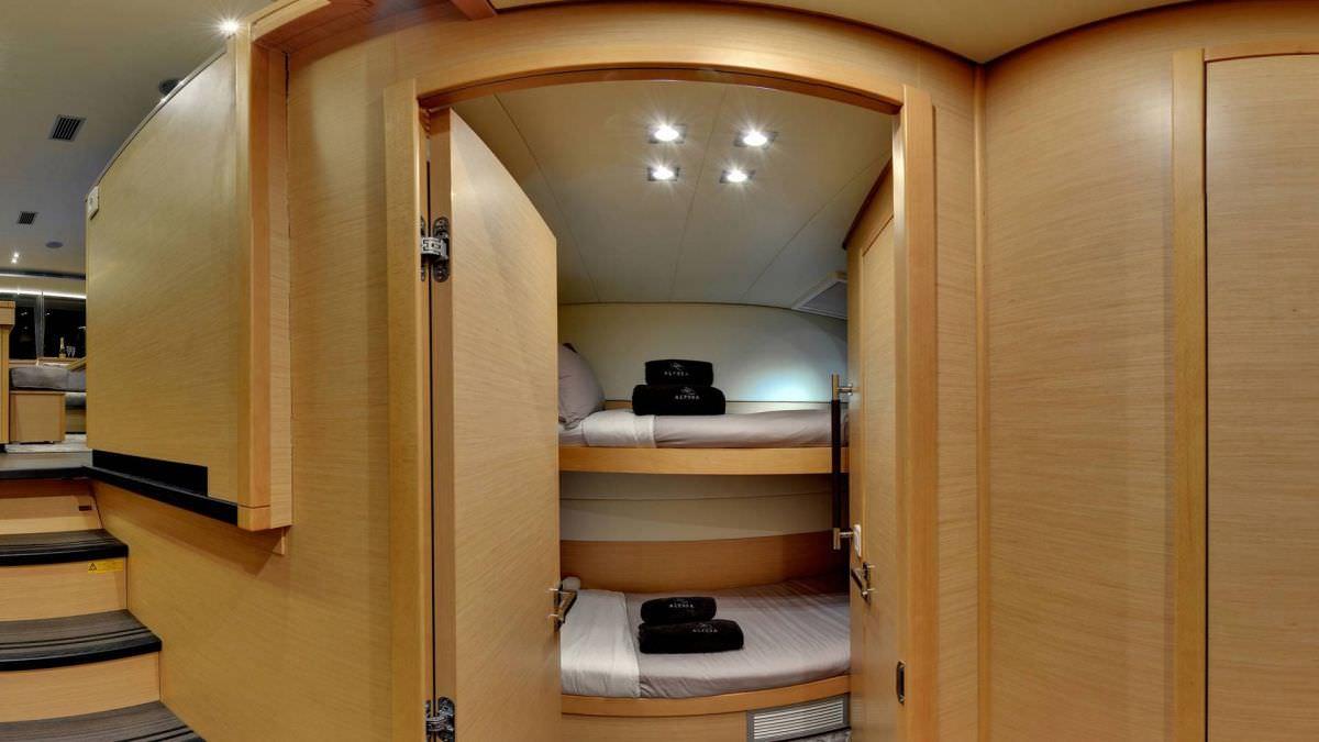 Catamaran Charter Alyssa