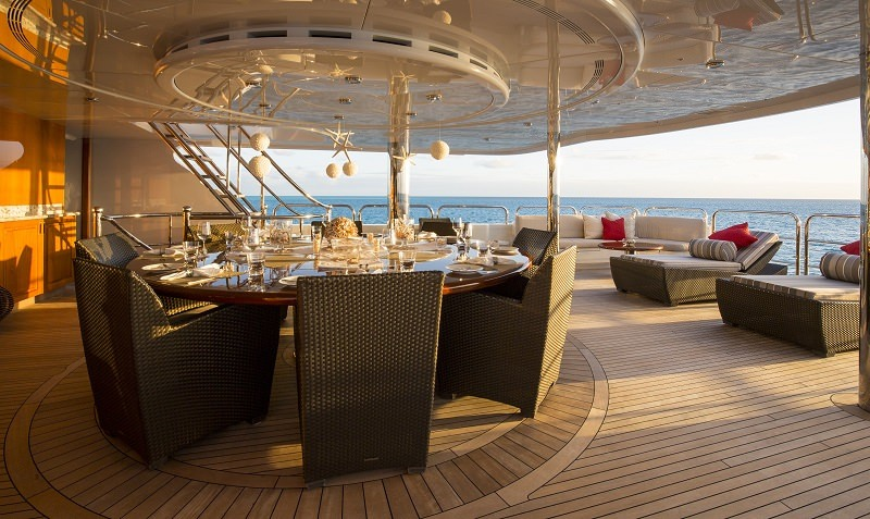 Bridge Deck Aft dining al fresco