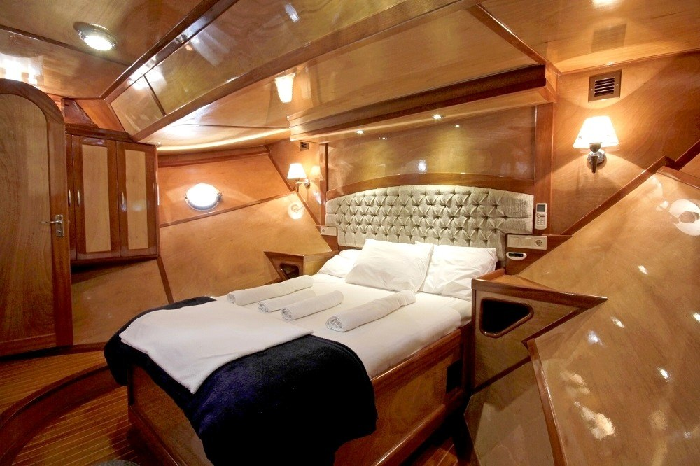 Master cabin has 2 private toilets, one with shower cabin and one with WC