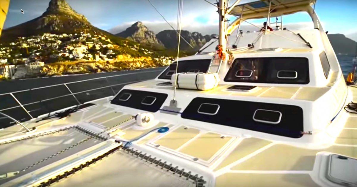 Catamaran Charter Aliwe