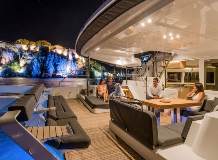 Yacht charter Be Happy