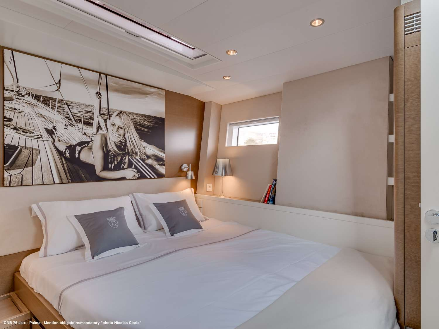 The starboard cabin with double bed