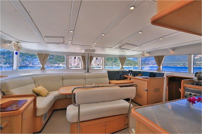 Catamaran Charter Adonis