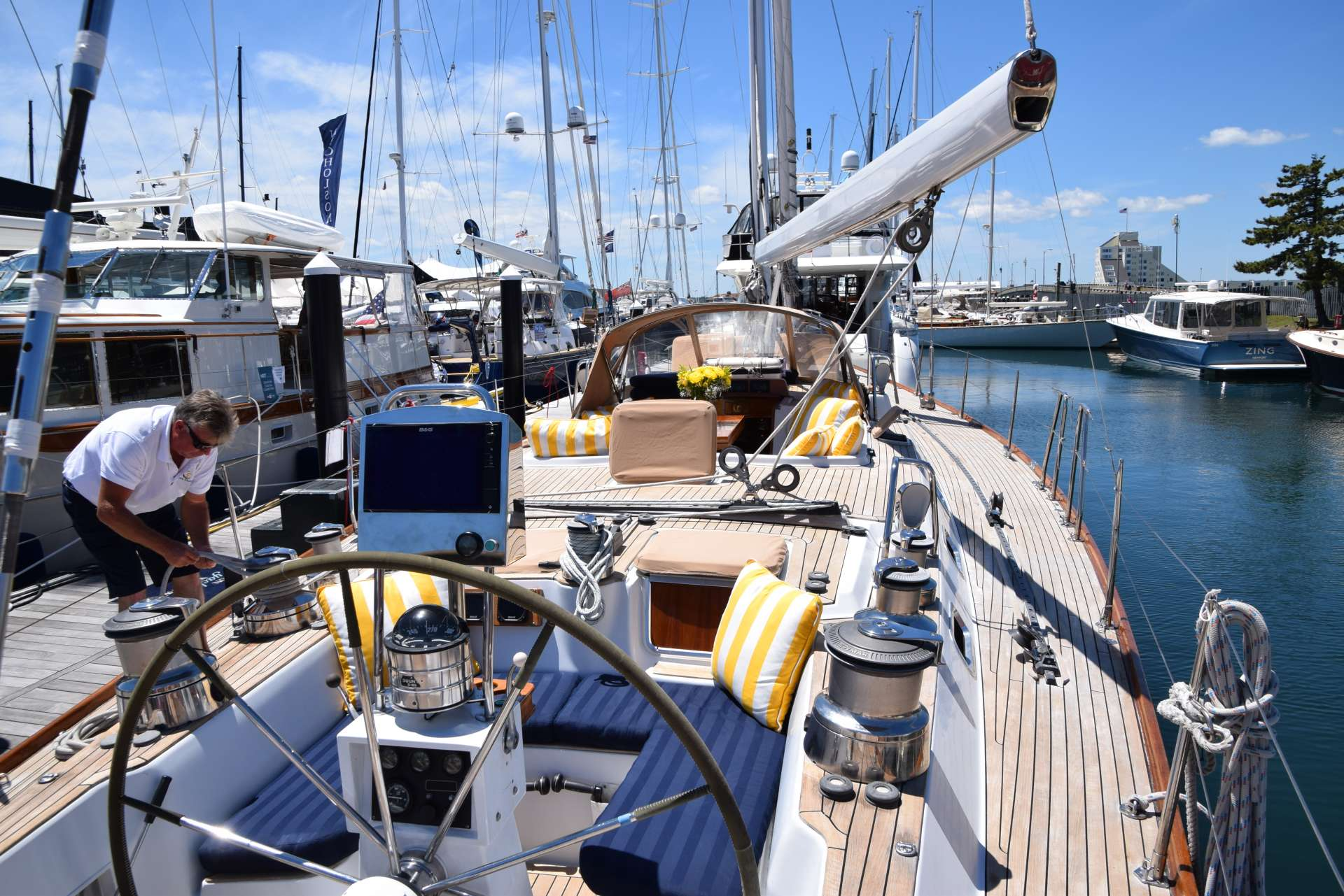 LUNA DANNS yacht image # 13