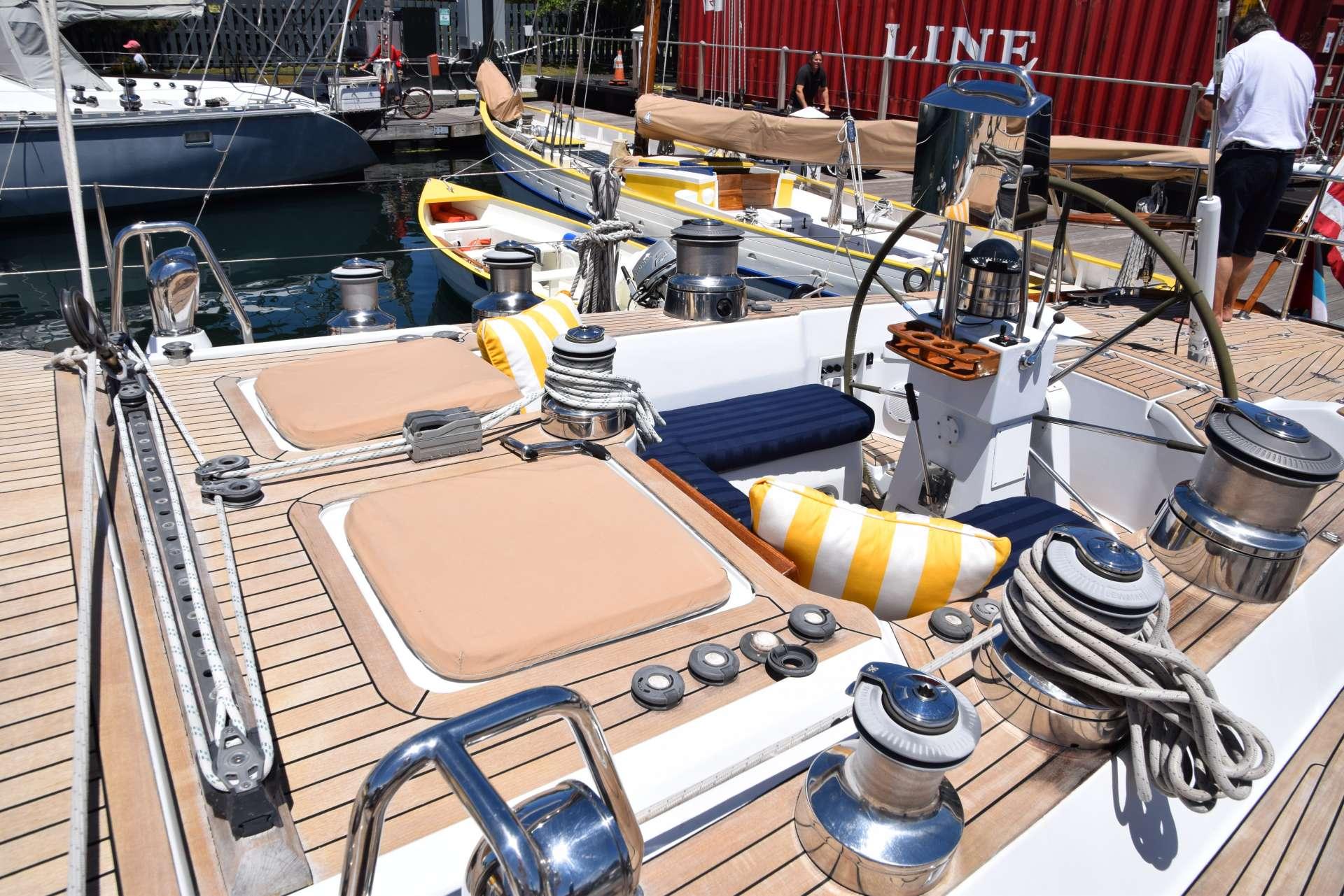 LUNA DANNS yacht image # 14
