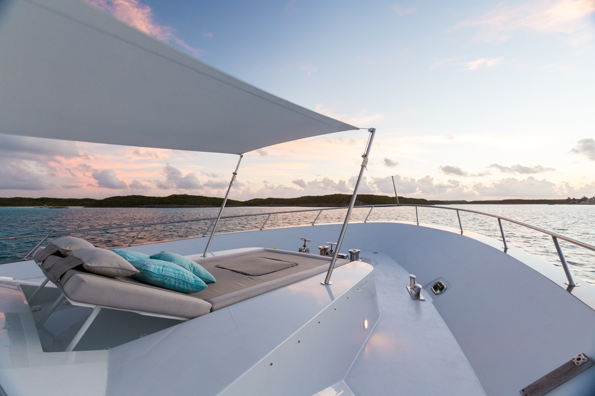 motor yacht UNBRIDLED