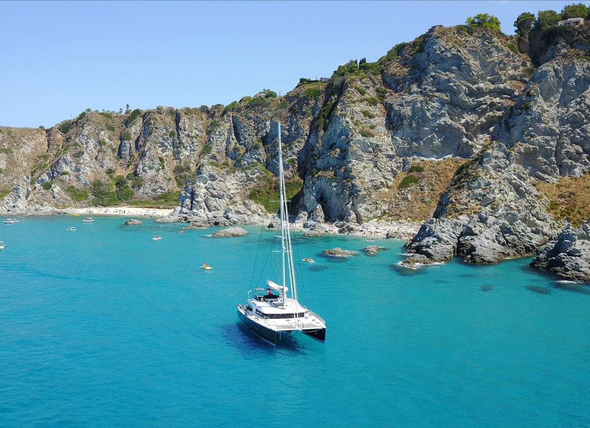 Catamaran Charter Kaskazi Four