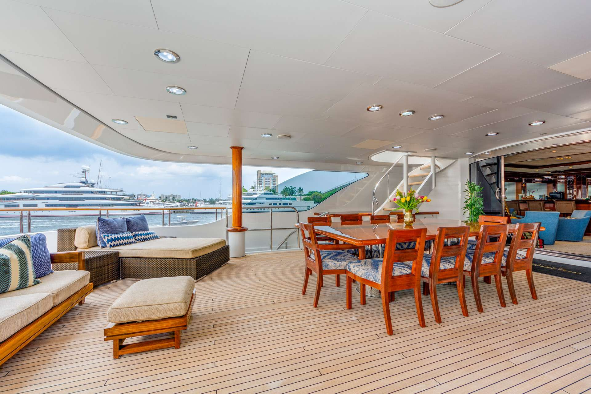 Bridge Deck, Alfresco Dining