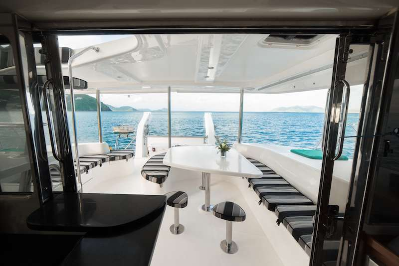 Great sailingFrom Salon to Cockpit aboard Island R&R