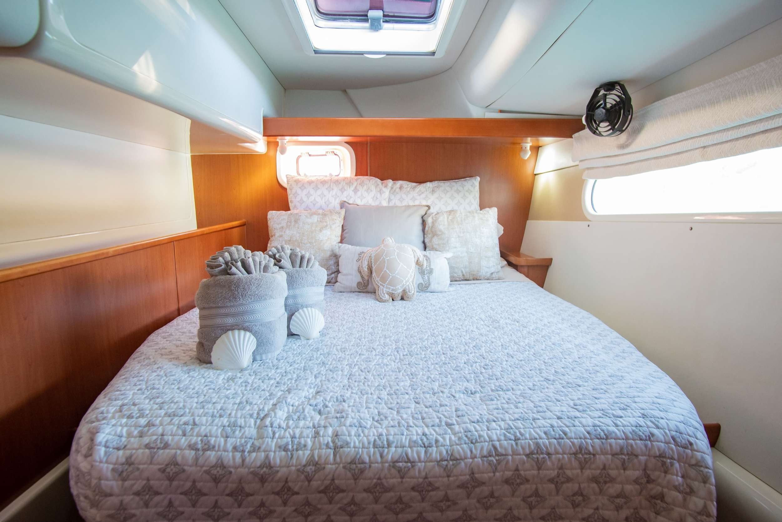 Queen Cabins with ensuite head