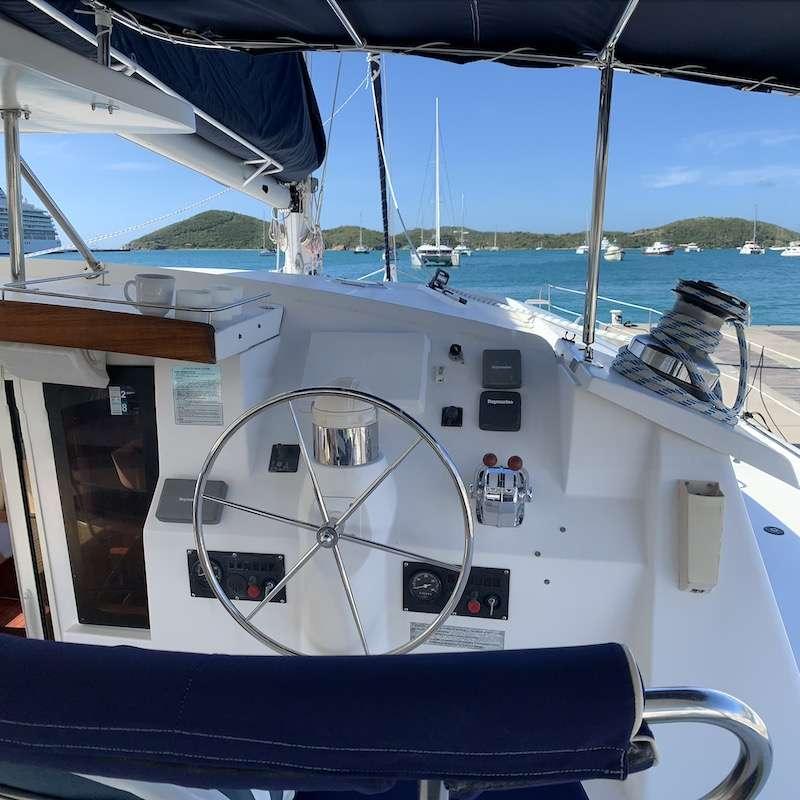 Catamaran Charter Vivo