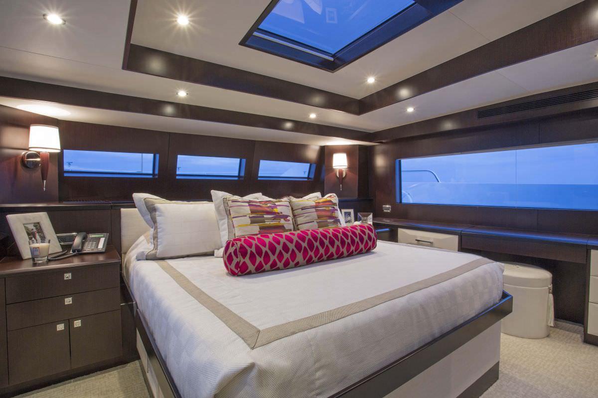 motor yacht LADY CARMEN