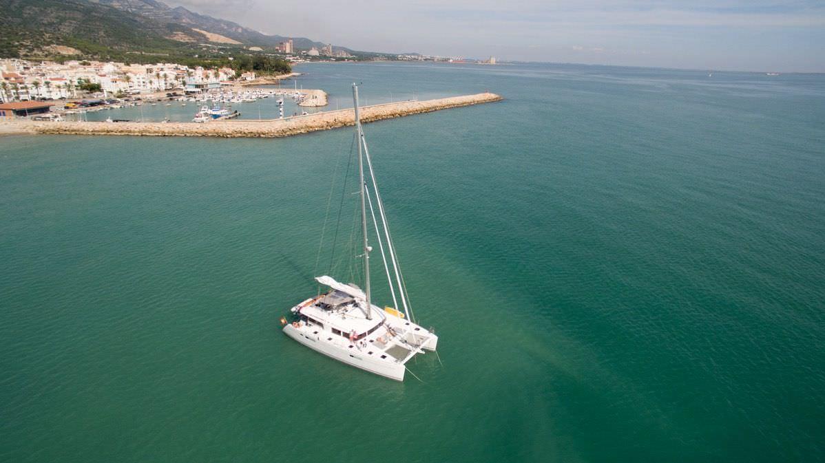 Catamaran Charter Big Gani