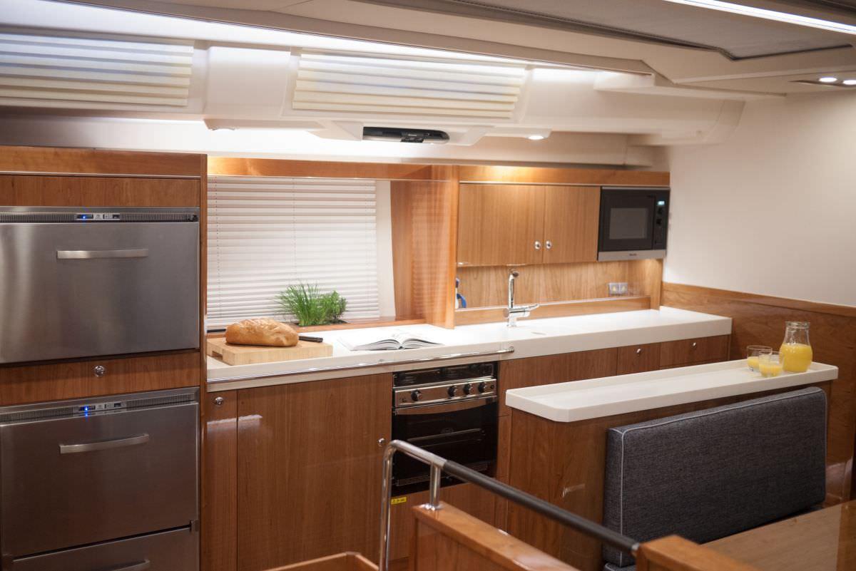 AMAROO yacht image # 2