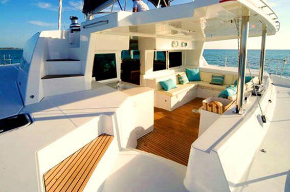 Catamaran Charter White House