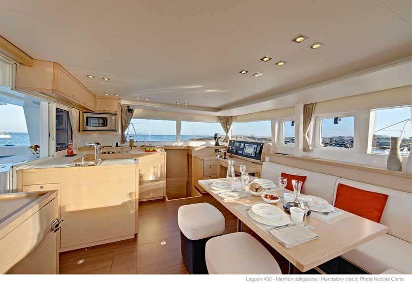 Yacht charter Opera Prima