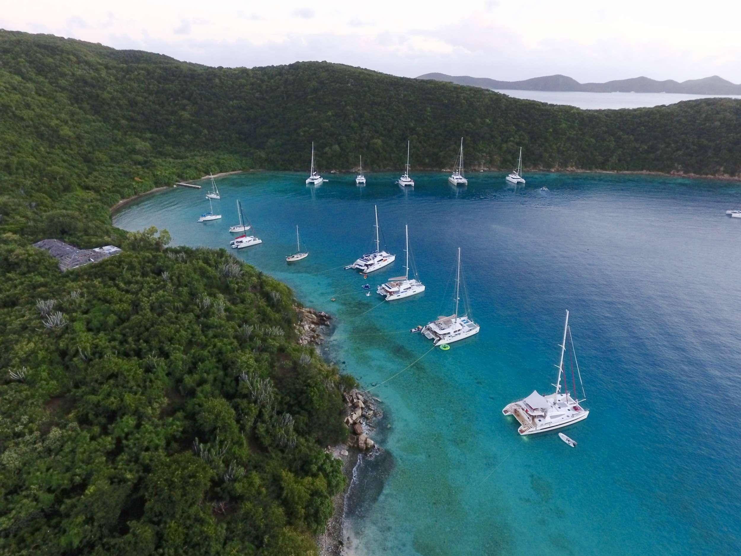 Catamaran Charter Mucho Gusto