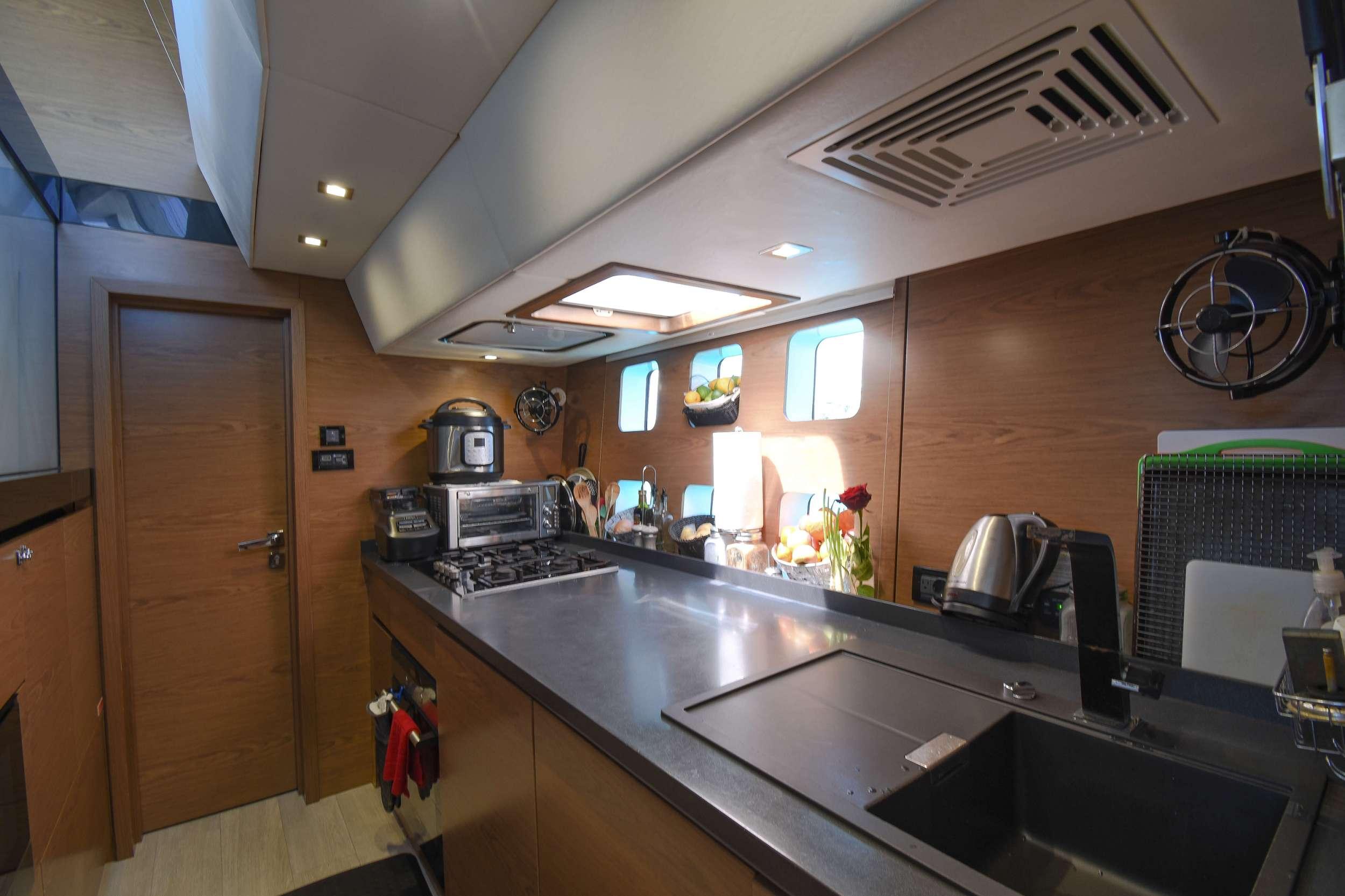 EUPHORIA 60 yacht image # 12