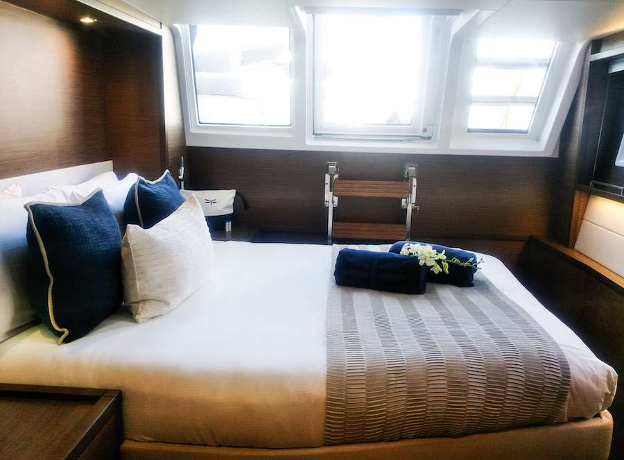 Starboard foward queen suite