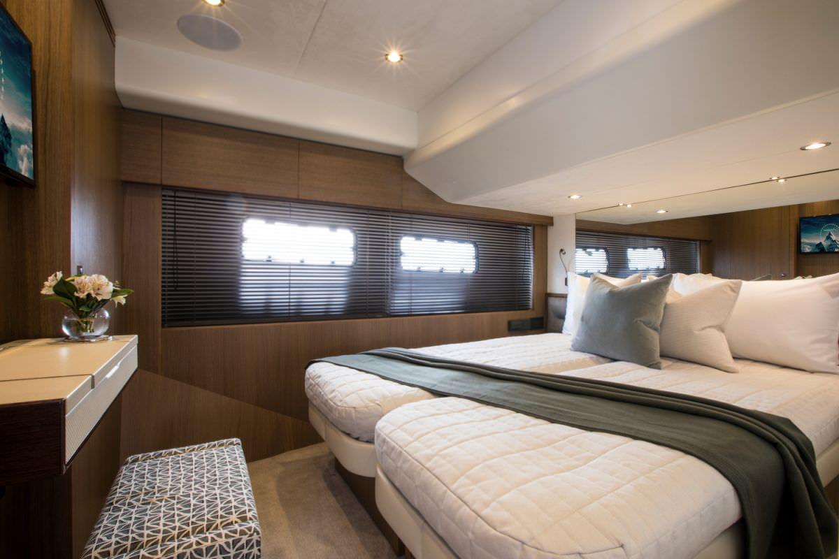 Convertible twin cabin