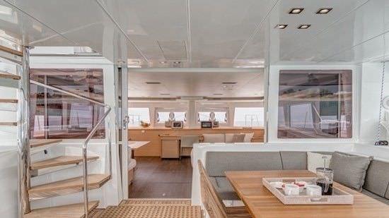 Yacht charter O Cat
