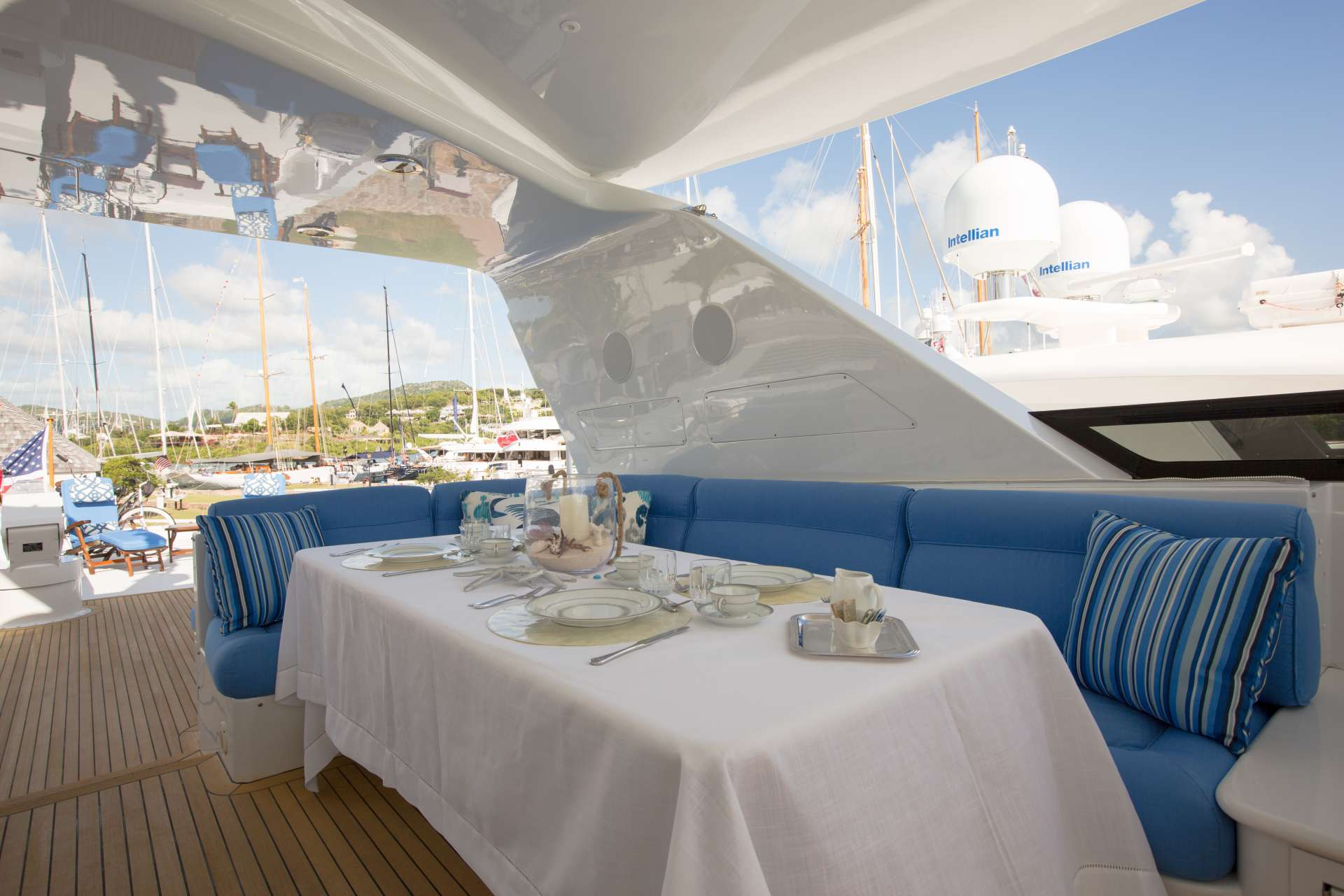 motor yacht OCEAN CLUB