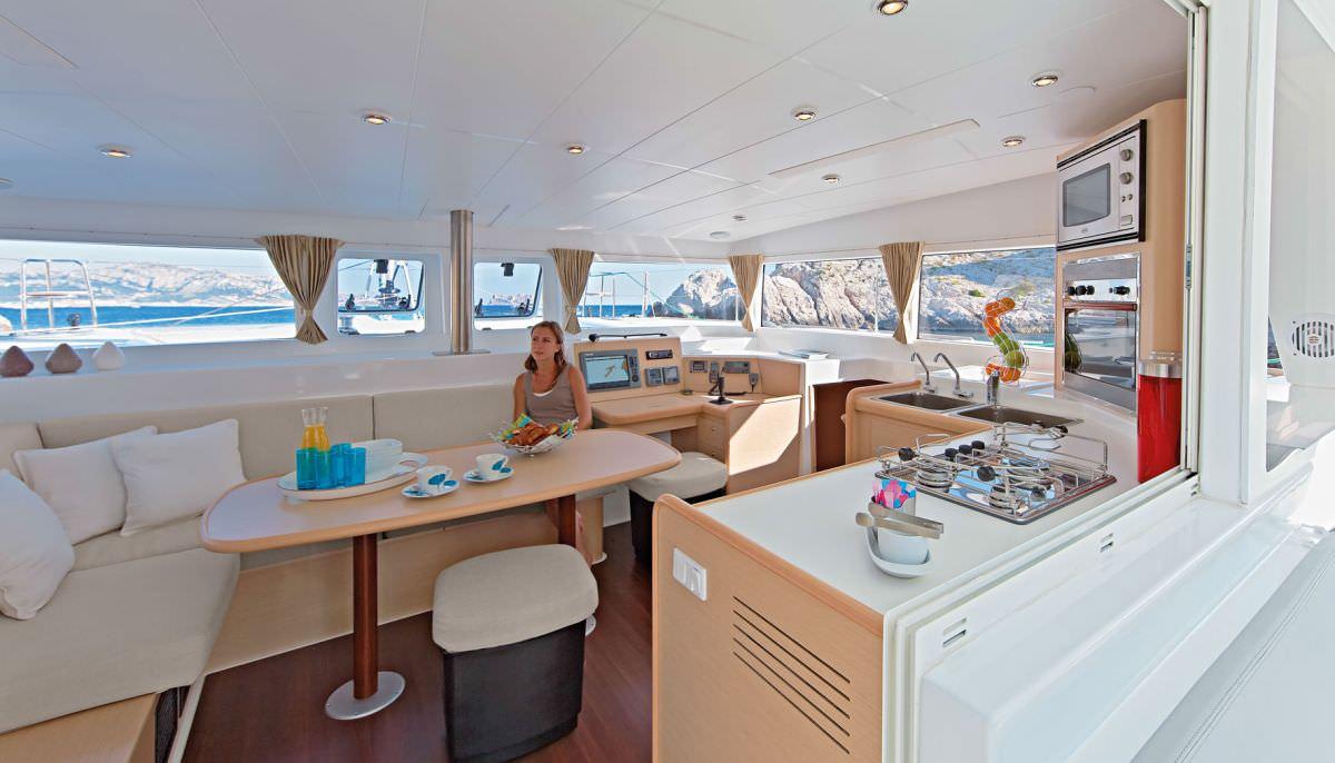 Yacht charter Caciarda