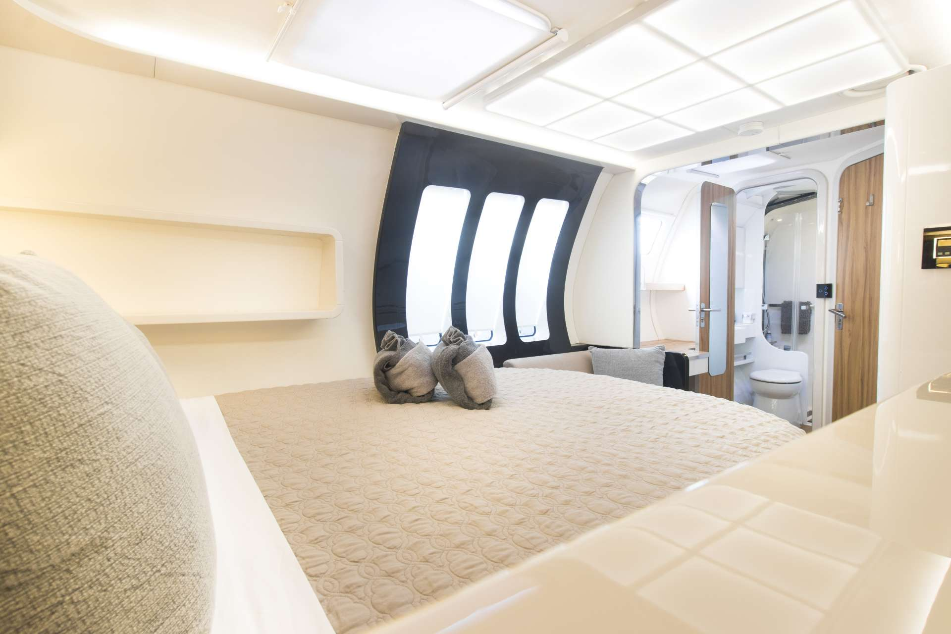 Queen forward cabin