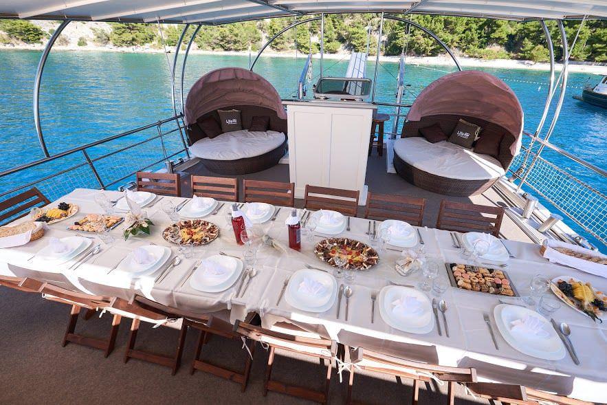 Gulet Nautilus - al fresco dining