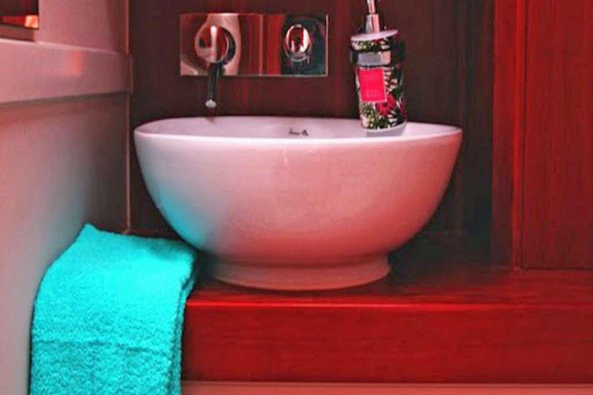 Ximera Guest Bath