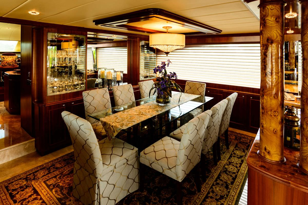 motor yacht KENTUCKY BELLE