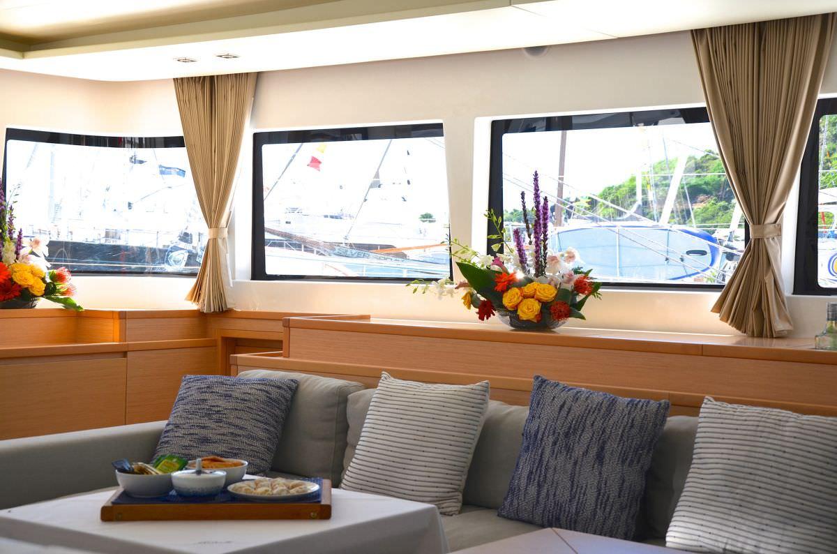 Catamaran Charter Reve2mer