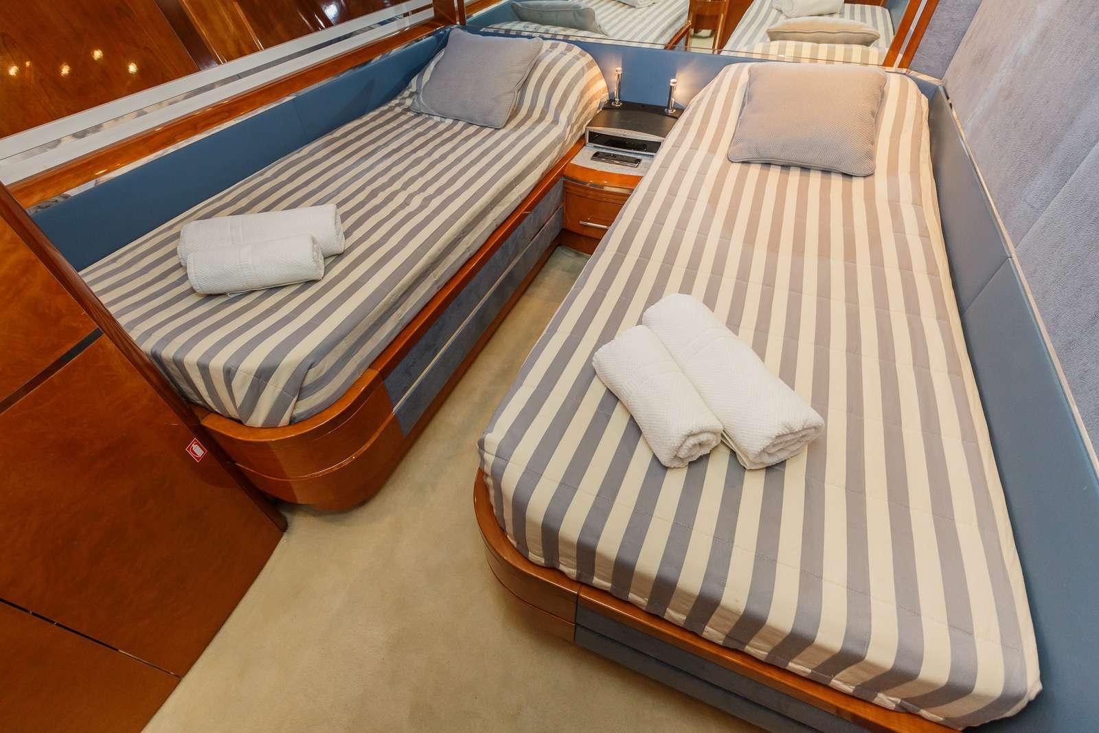 Vellmari - Starboard Twin