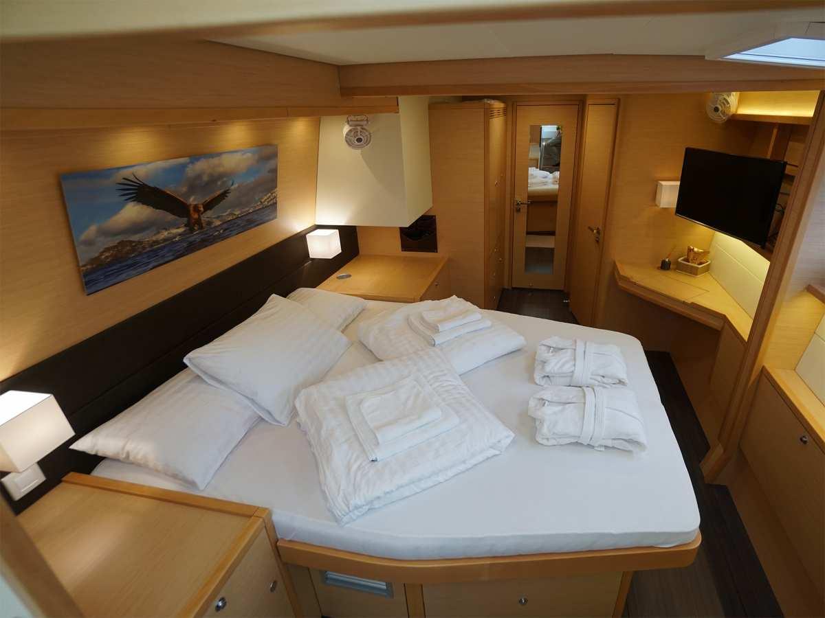 Catamaran Starlight