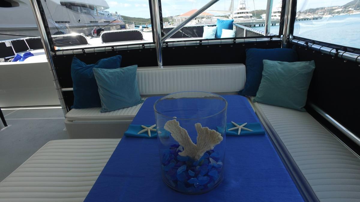 Catamaran Charter Sabrage