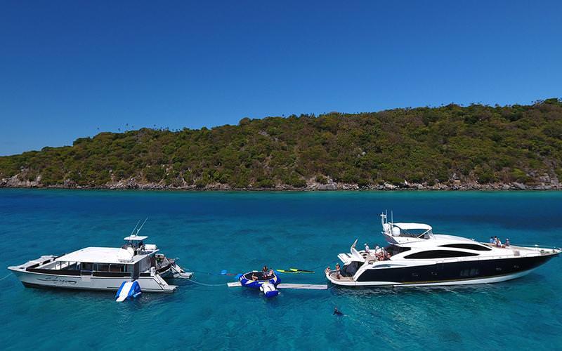 Yacht charter Sabrage
