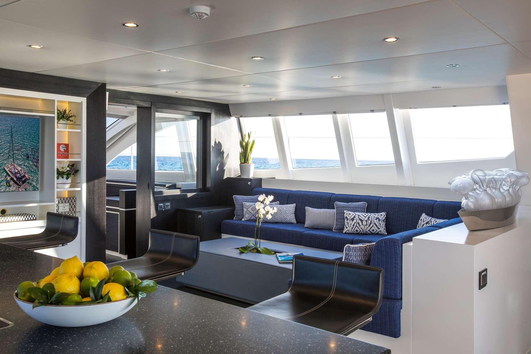 Yacht charter Cartouche