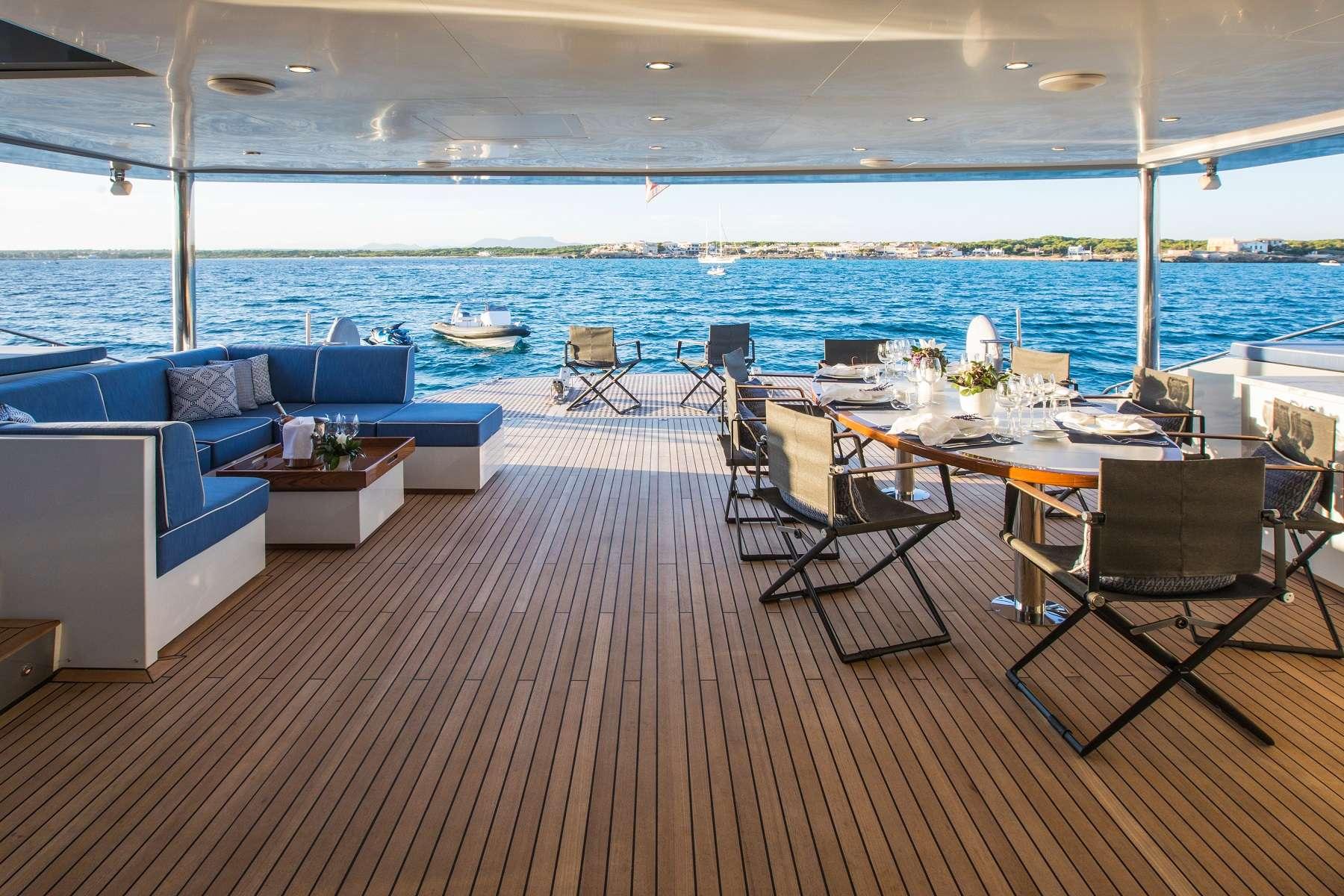 Catamaran Cartouche