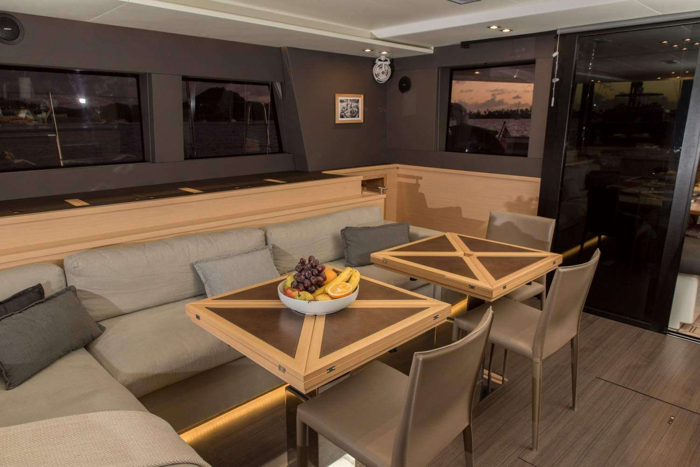 Catamaran Charter Melarnie