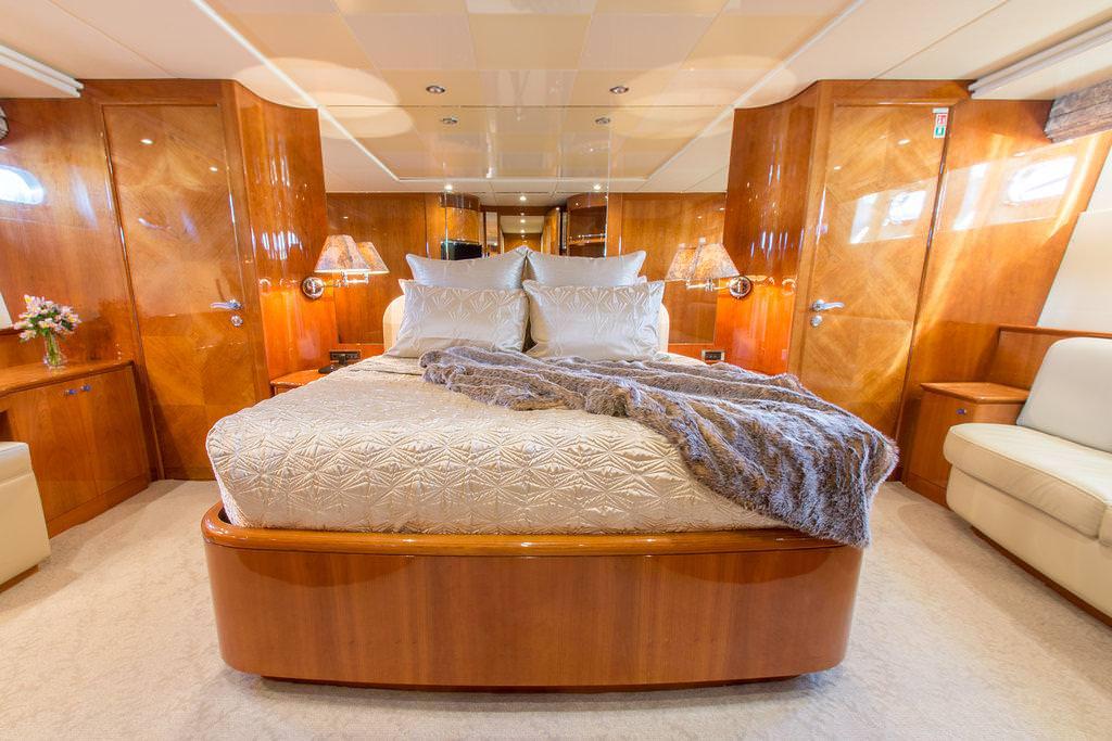 Master Stateroom (below deck)