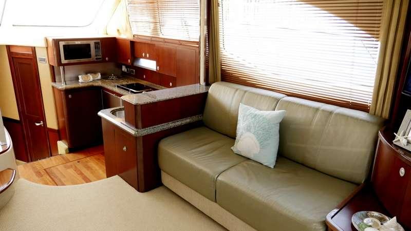 Salon / Galley Starboard