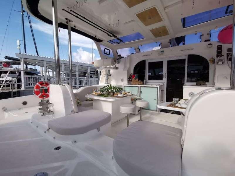 Catamaran Charter Amazing Grace