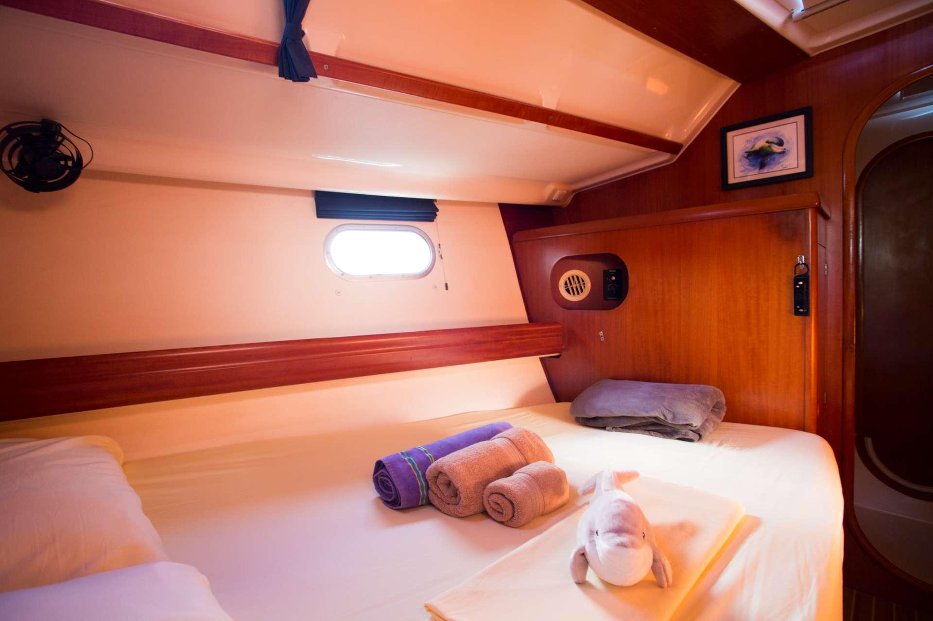 Queen cabin mid ships - photo Arthur Daniel