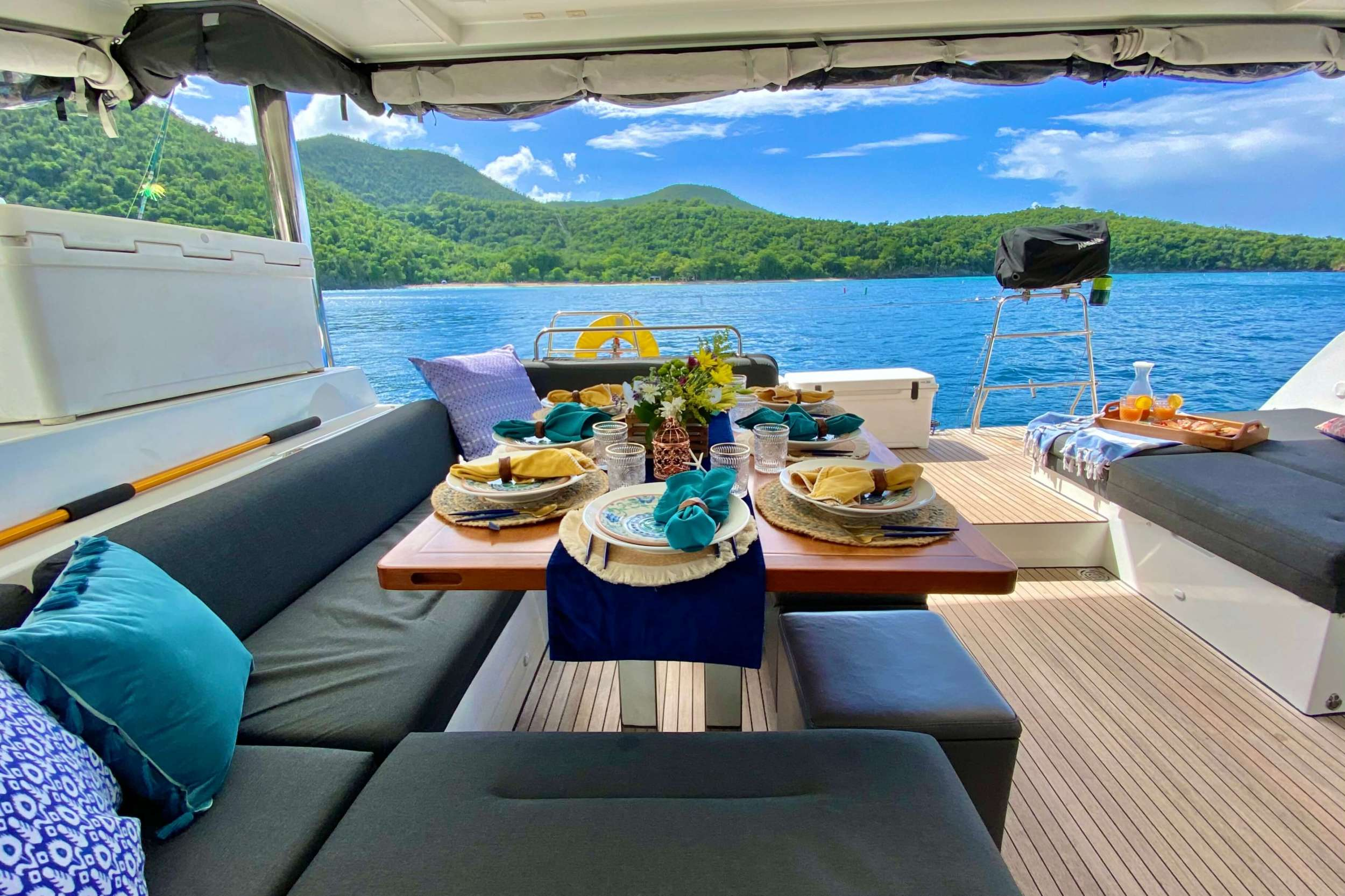 Catamaran Charter Ventana