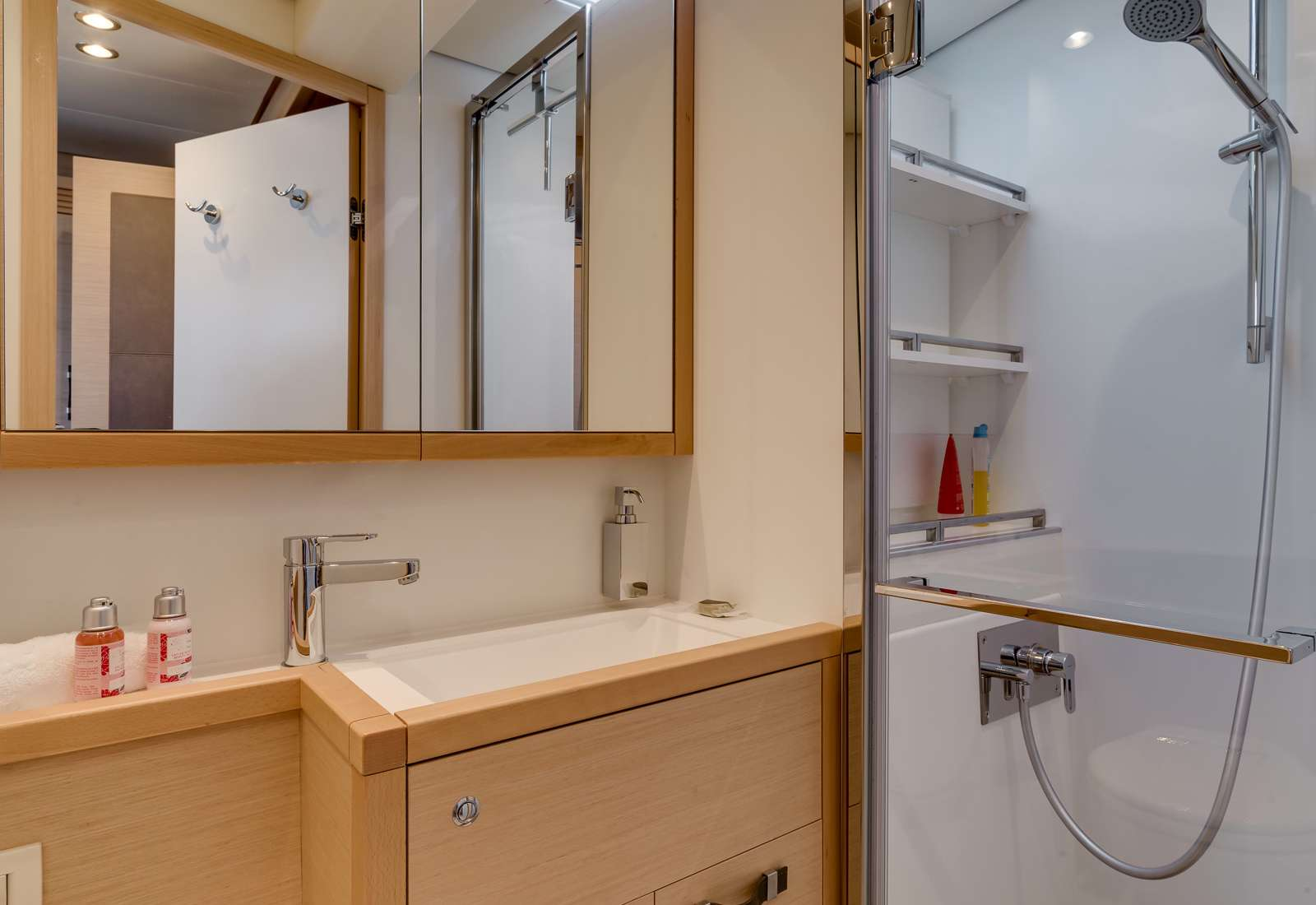 Ensuite bathroom of one of the double bed cabins