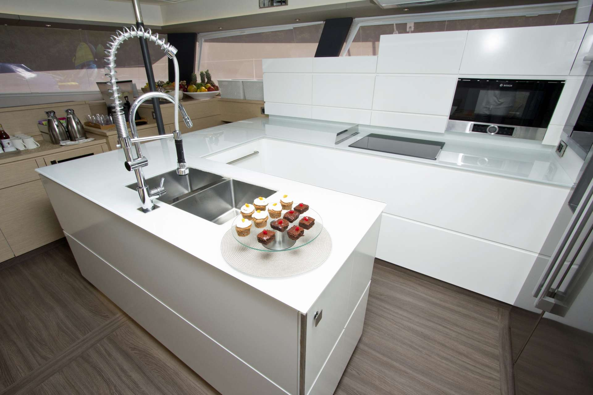 Spacious Galley and Open Plan Lounge