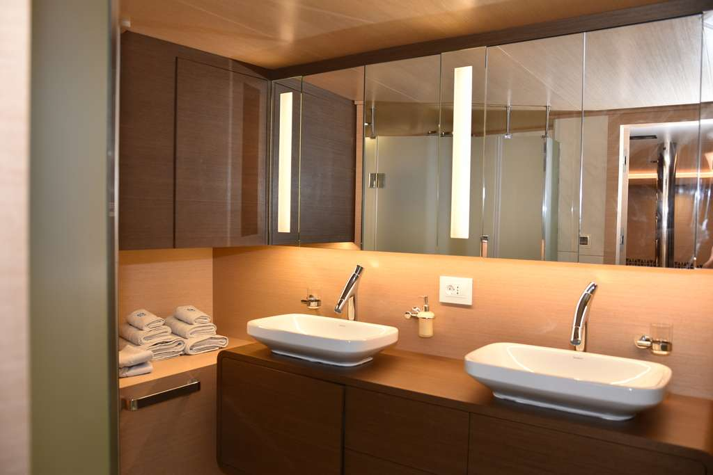 VIP Cabin Bathroom