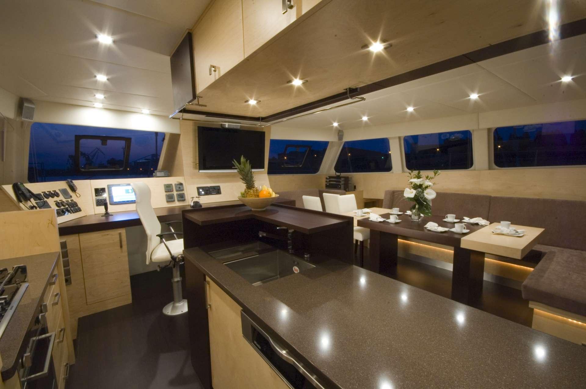 Catamaran Charter Zimit
