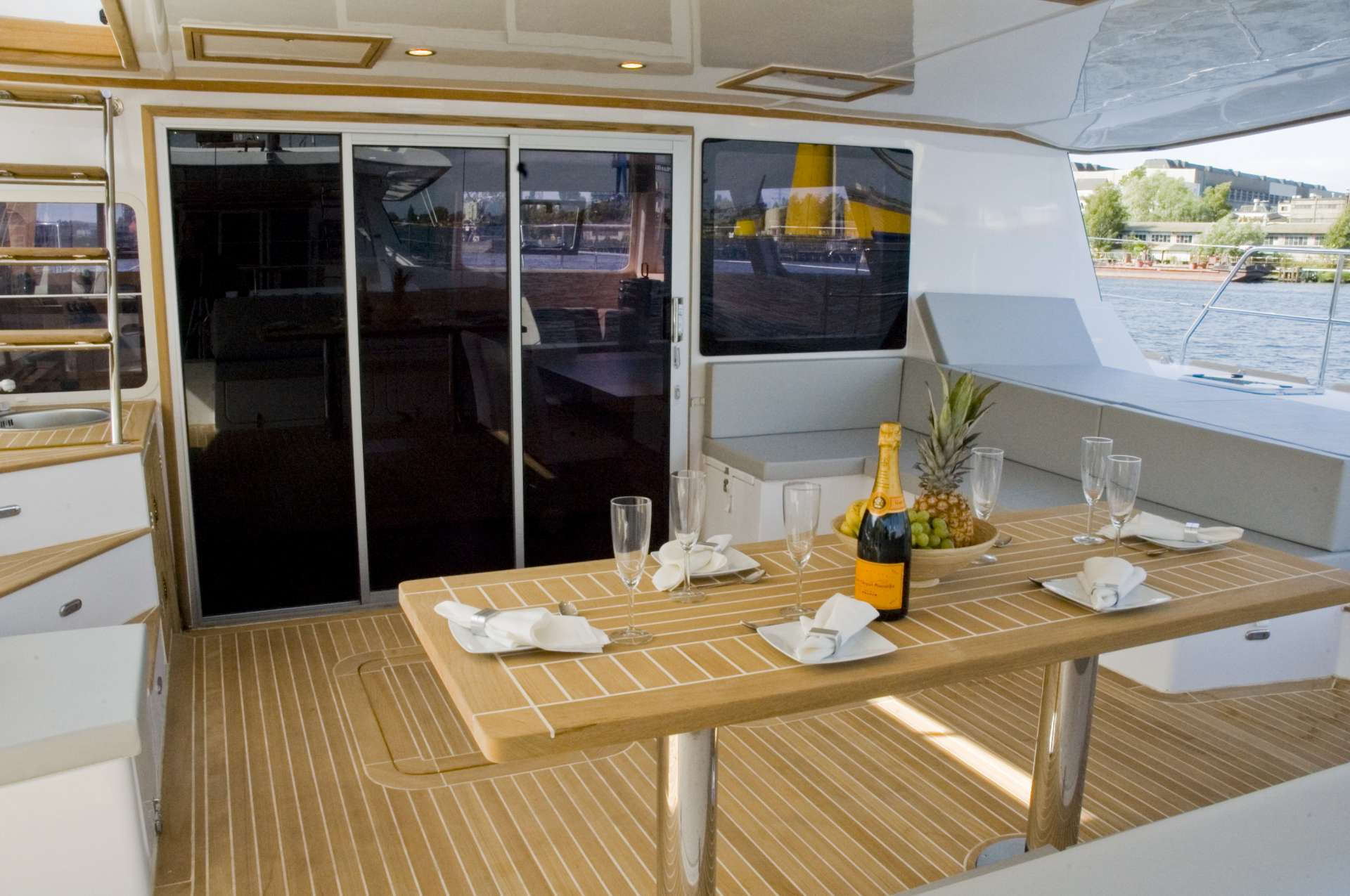 Yacht charter Zimit